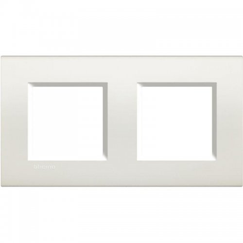 Рамка 2-м LivingLight прямоугол. бел. Leg BTC LNA4802M2BI